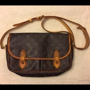 Authentic Louis Vuitton Gibeciere Bag